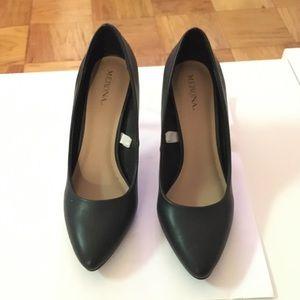 Never been worn black heels